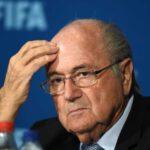 Blatter se vrátil z nemocnice: Byl jsem blízko smrti, tvrdí