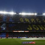 Fanoušci Barcelony vzdali hold nedávno zesnulému Johanu Cruyffovi krásným choreem
