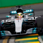 Do závodu v Austrálii odstartuje z prvního místa Lewis Hamilton