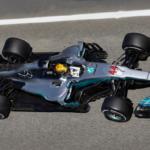 V Barceloně těsně získává pole position Lewis Hamilton