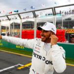 Pro první pole position sezóny si v Austrálili dojel Hamilton