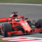 Vettel v Číně obral Räikkönena o pole position, Mercedesy jejich tempu nestačily